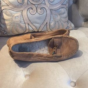 brown UGG lined shoes